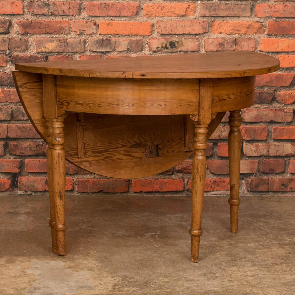 antique danish round pine drop leaf game table ebay. Black Bedroom Furniture Sets. Home Design Ideas